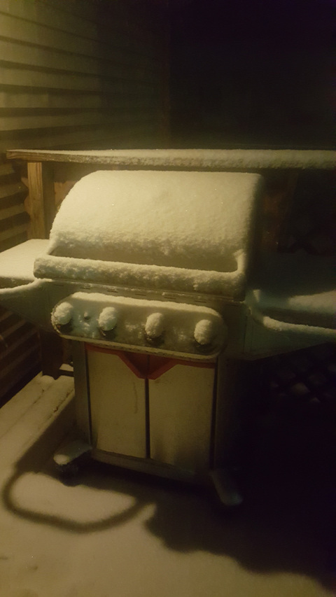 grill-and-snow.jpg